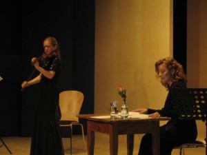 Cornelia Löscher Violine und Johanna Lonsky Rezitation